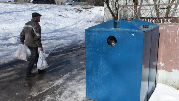 Контейнеры для мусора часто не маркированы - Sputnik Беларусь