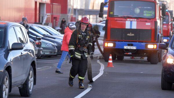 Очевидцы вызвали спасателей из-за задымления в ТЦ Dana Mall - Sputnik Беларусь