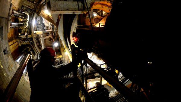 Благодаря французской машине удается прокладывать больше 12 метров тоннеля в сутки - Sputnik Беларусь