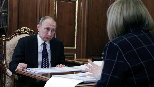Президент РФ В. Путин встретился с главой Центризбиркома Э. Памфиловой - Sputnik Беларусь