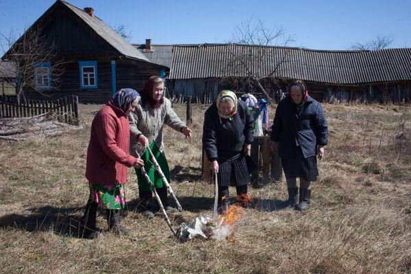 Пасха в Данилевичах Лельчицкого района - Sputnik Беларусь
