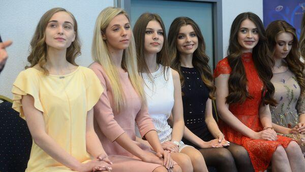 Падрыхтоўка да шоу на конкурсе Міс Беларусь, архіўнае фота - Sputnik Беларусь