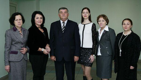 Сергей Дубовик с сотрудницами кафедры - Sputnik Беларусь