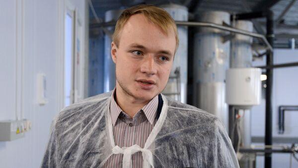 Управляющий осетровым хозяйством ЗАО ДГ-Центр Владимир Довгялло - Sputnik Беларусь