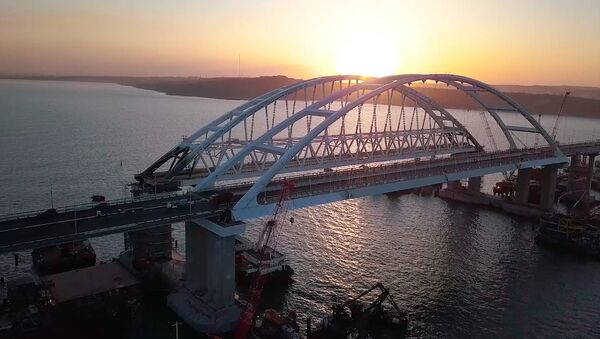 Крымскі мост выпрабавалі на трываласць 35-тонными самазваламі - Sputnik Беларусь