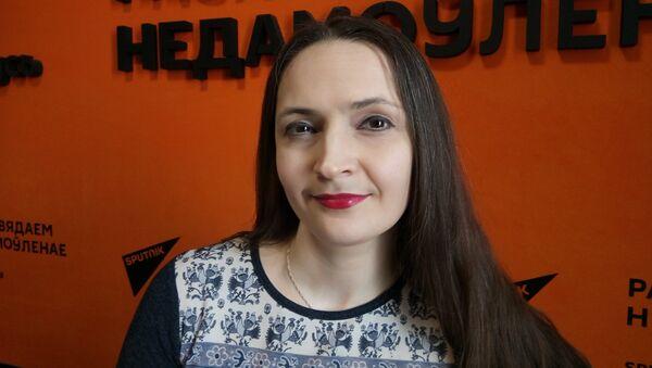 Поэтесса и соорганизатор музыкально-поэтического проекта Рояль в стихах Ирина Каренина - Sputnik Беларусь