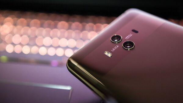 Телефон Huawei - Sputnik Беларусь
