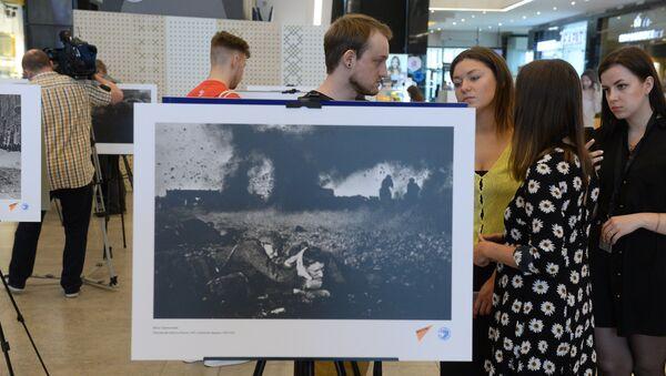 Выставка уникальных фотографий открылась в ТЦ GALLERIA Minsk - Sputnik Беларусь