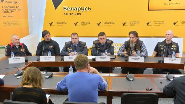 Круглы стол у МПЦ Sputnik з удзелам ДАІ і байкераў - Sputnik Беларусь
