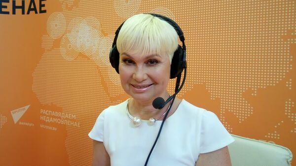 Заслуженная артистка Беларуси, телеведущая Елена Спиридович - Sputnik Беларусь