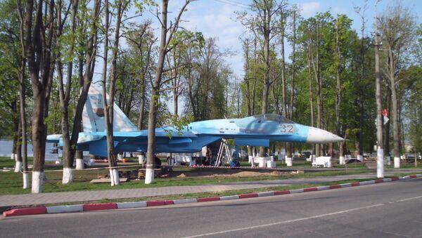 Знішчальнік СУ-27 у гарадскім парку Перамогі адкрыюць ўжо 9 мая - Sputnik Беларусь