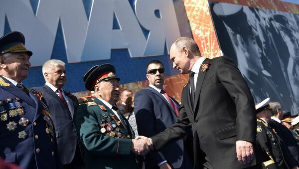 Уладзімір Пуцін з ветэранамі - Sputnik Беларусь