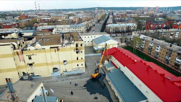 В Кемерово приступили к сносу ТЦ Зимняя вишня - Sputnik Беларусь
