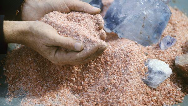Кристаллический хлористый калий - ценное удобрение - Sputnik Беларусь