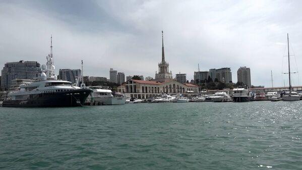 Сочи: вид с яхты на Морской вокзал - Sputnik Беларусь