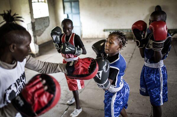 Луіс Тата, Іспанія. Школа бокса для дзяўчынак у Кеніі. Спорт, серыі, 3-е месца. - Sputnik Беларусь