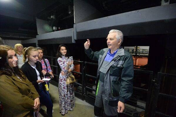Механізм складанейшы за касмічны карабель - сказалі аб тэатральным закуліссі касманаўты, якія былі тут на экскурсіі некалькі гадоў таму. - Sputnik Беларусь