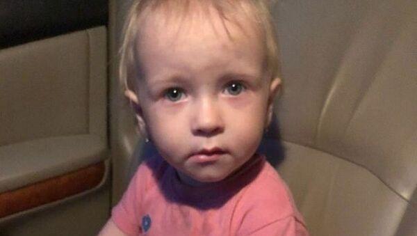 В Витебске нашли полуторалетнюю девочку без родителей - Sputnik Беларусь