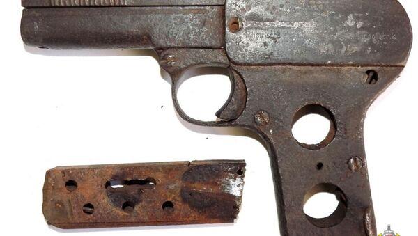 Рарытэтны нямецкі пісталет пачатку XX стагоддзя знайшлі ў школьным музеі - Sputnik Беларусь