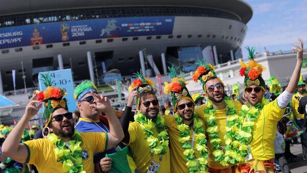 Болельщики сборной Бразилии перед началом матча ЧМ-2018 - Sputnik Беларусь