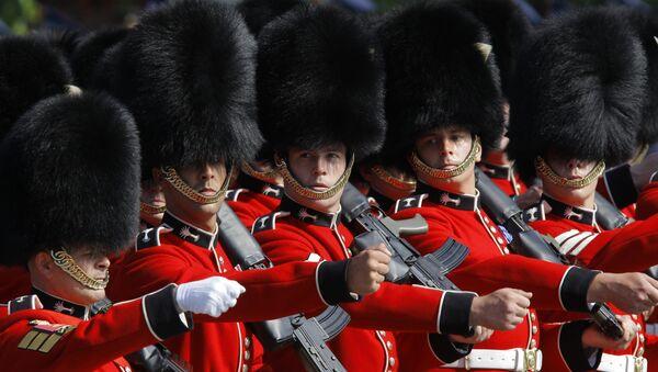 Британские военнослужащие расчета 1-го батальона Валлийского гвардейского полка - Sputnik Беларусь
