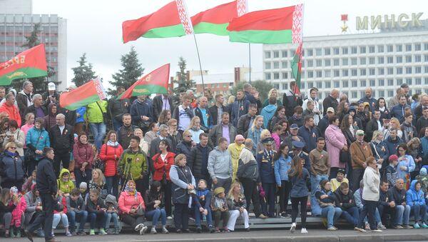 Белорусы отмечают День Независимости - Sputnik Беларусь