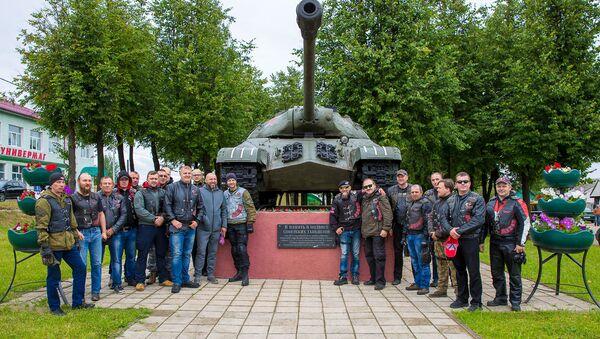 Мотоклуб Ночные волки в Сенно отметили День Независимости - Sputnik Беларусь