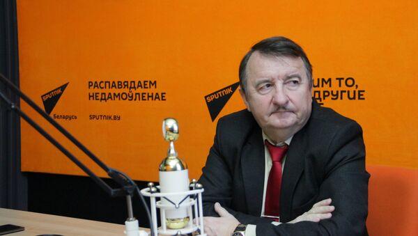 Крыжановский: ЧМ 2018, противостояние в Куропатах и снова взятки - Sputnik Беларусь