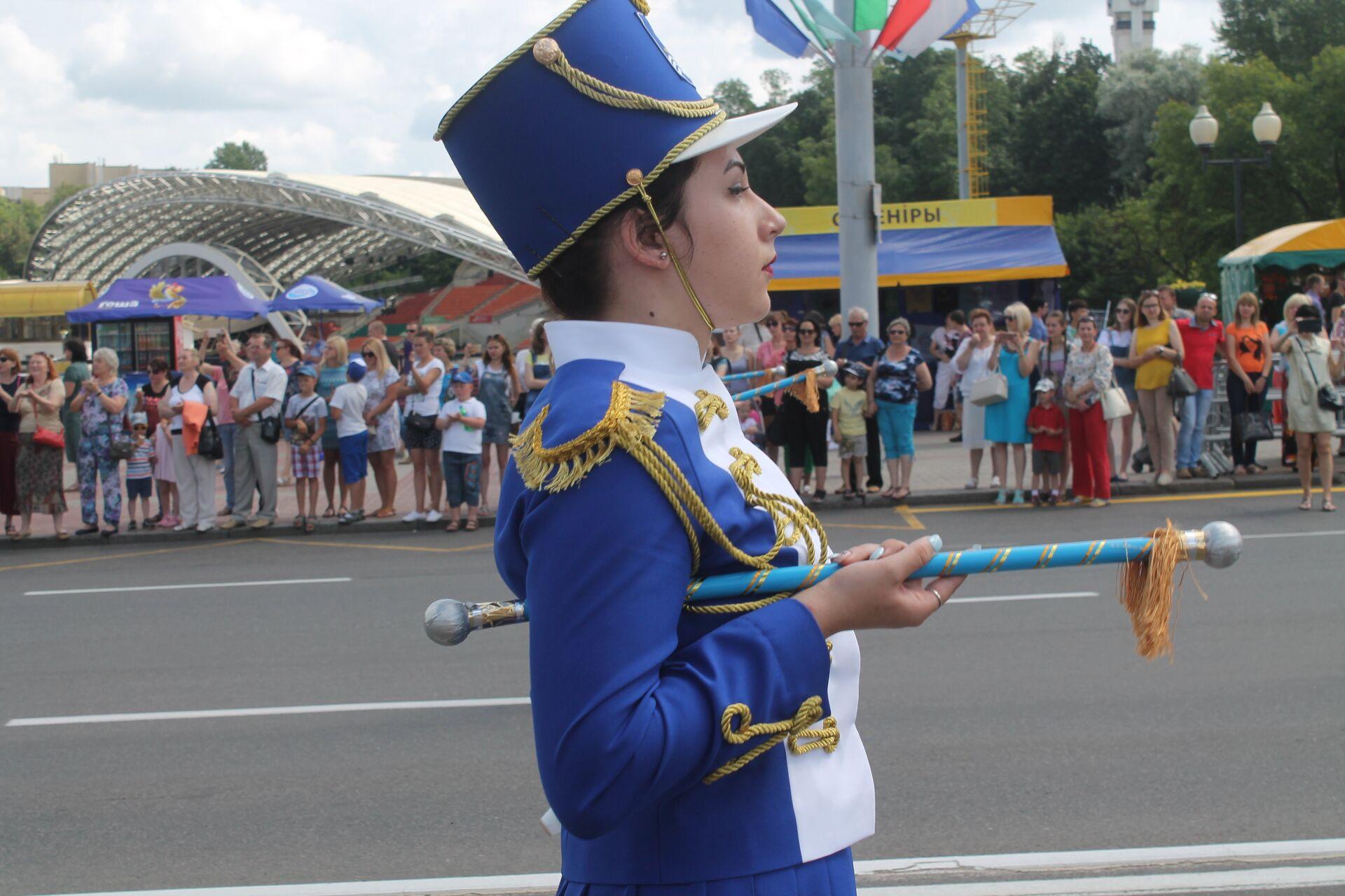 Во время торжественного парада - Sputnik Беларусь, 1920, 12.07.2021