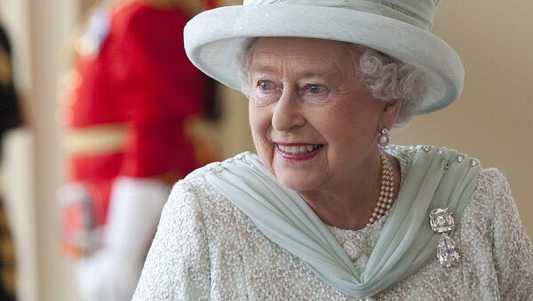 Елизавета II: любимые броши королевы - Sputnik Беларусь