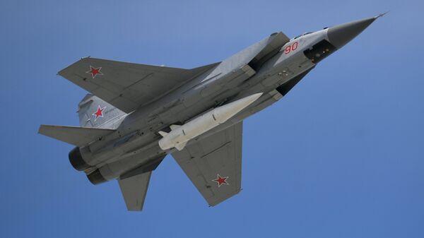 Истребитель МиГ-31, оснащенный системой Кинжал - Sputnik Беларусь