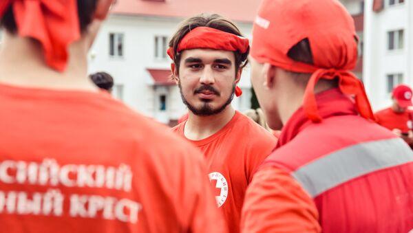 Участвуют команды волонтеров и представителей Красного Креста из Беларуси, России, Украины, стран Балтии, Болгарии, Кыргызстана, Таджикистана, Ирана - Sputnik Беларусь