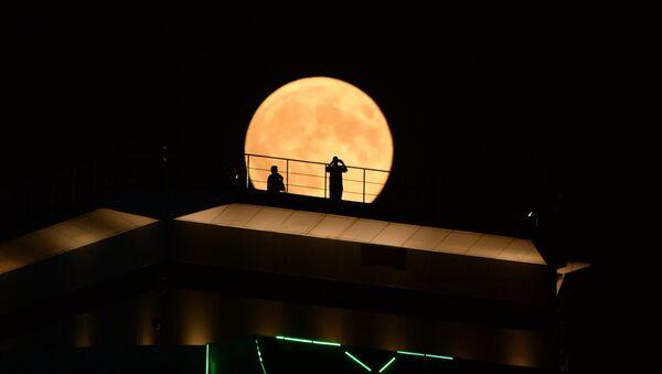 Полное лунное затмение - Sputnik Беларусь