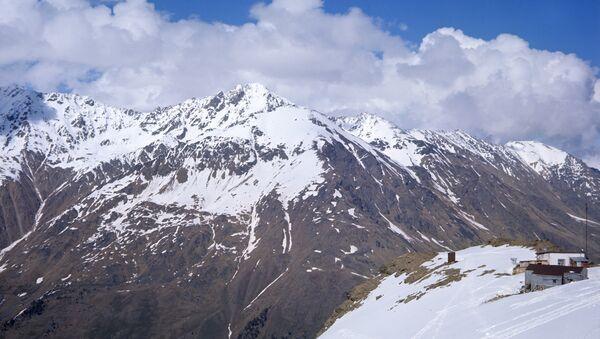Вид на Эльбрус с вершины горы Чегет - Sputnik Беларусь
