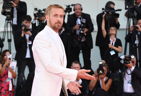 Акцёр Раян Гослінг на цырымоніі адкрыцця 75-га Венецыянскага міжнароднага кінафестывалю. - Sputnik Беларусь