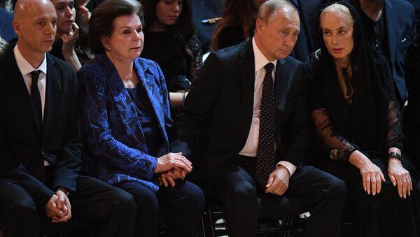 Президент РФ Владимир Путин посетил церемонию прощания с Иосифом Кобзоном - Sputnik Беларусь