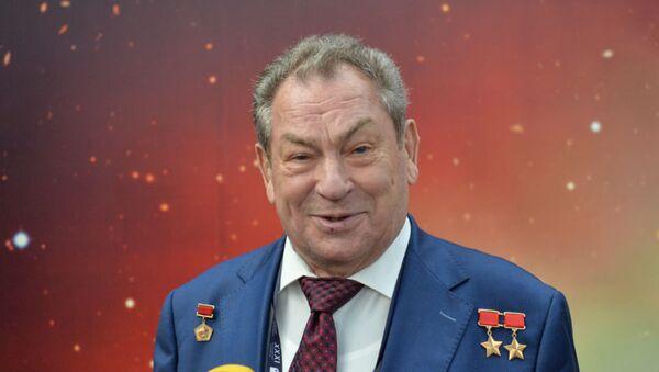 Белорусский космонавт Владимир Коваленок - Sputnik Беларусь