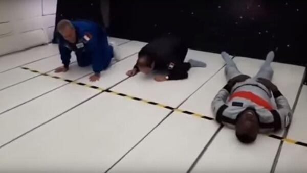 Усэйн Болт пробежал дистанцию в условиях невесомости, видео  - Sputnik Беларусь