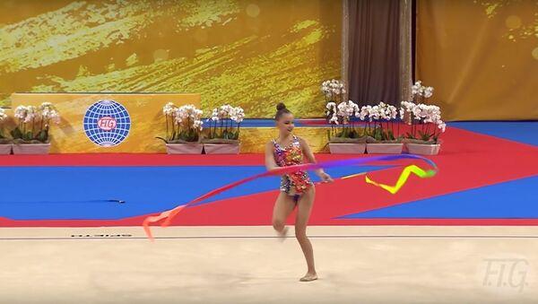 Неудачное выступление россиянки Арины Авериной на ЧМ по художественной гимнастике, видео - Sputnik Беларусь