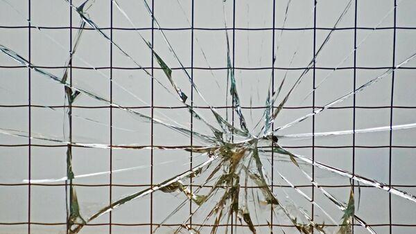 Разбитое стекло, архивное фото - Sputnik Беларусь