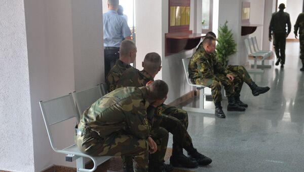 Солдаты в суде по делу Коржича - Sputnik Беларусь