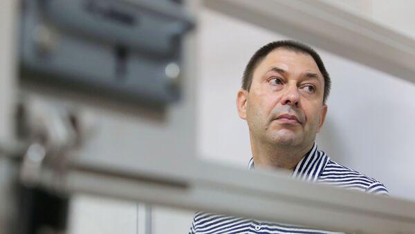 Суд у Херсоне пакінуў журналіста Вышынскага пад вартай - Sputnik Беларусь