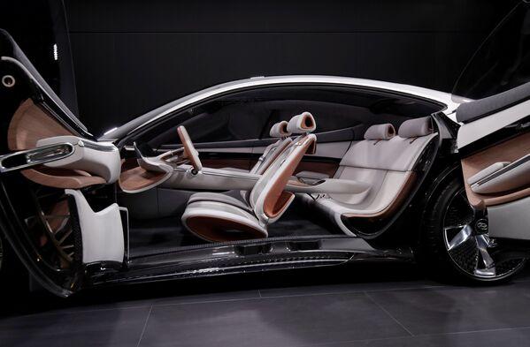 Презентация Hyundai Le Fil Rouge на открытии международного автосалона Mondial de l'Automobile в Париже - Sputnik Беларусь