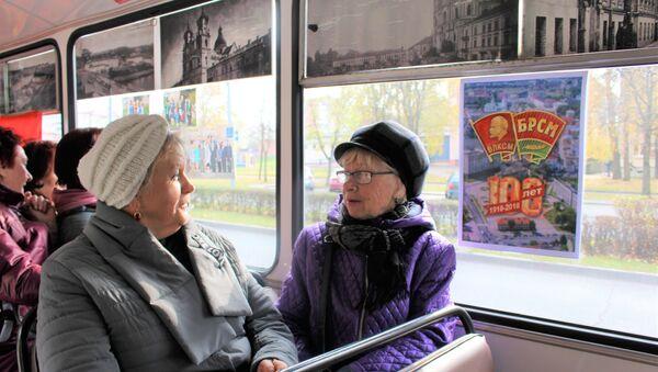 Жанчыны ў гадах былі самымі масавымі пасажырамі камсамольскага треллейбуса - Sputnik Беларусь
