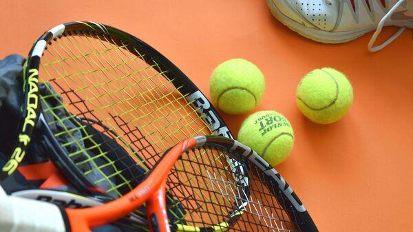 Теннисные ракетки и мячи, архивное фото - Sputnik Беларусь