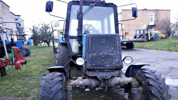 Пьяный тракторист устроил гонки с ГАИ - Sputnik Беларусь