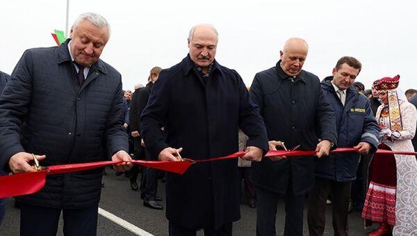 Прэзідэнт Беларусі Аляксандр Лукашэнка адкрывае жыткавіцкі мост - Sputnik Беларусь