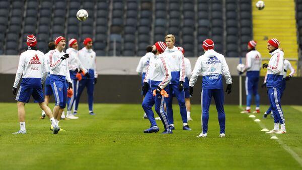 Сборная России тренируется перед матчем Лиги наций - Sputnik Беларусь