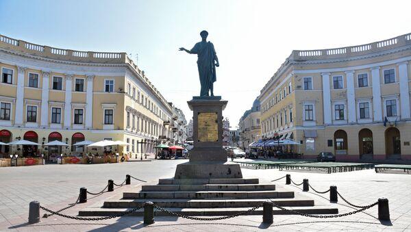 Памятник Дюку де Ришелье на Приморском бульваре в Одессе - Sputnik Беларусь