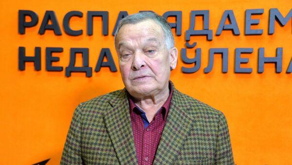 Алисов: Рязанов дал мне полную творческую свободу  - Sputnik Беларусь